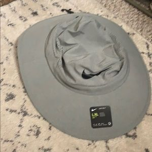 NWT NIKE BUCKET HAT